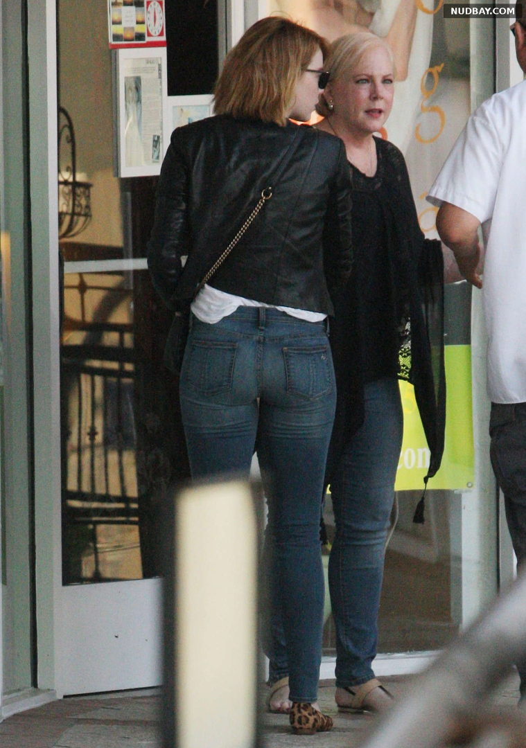 Emma Stone Ass Out And About In Beverly Hills Jun 21 2016 1