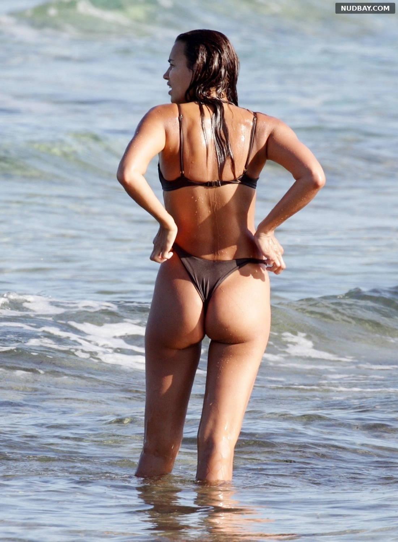 Irina Shayk wet ass at the beach in Ibiza Aug 06 2021