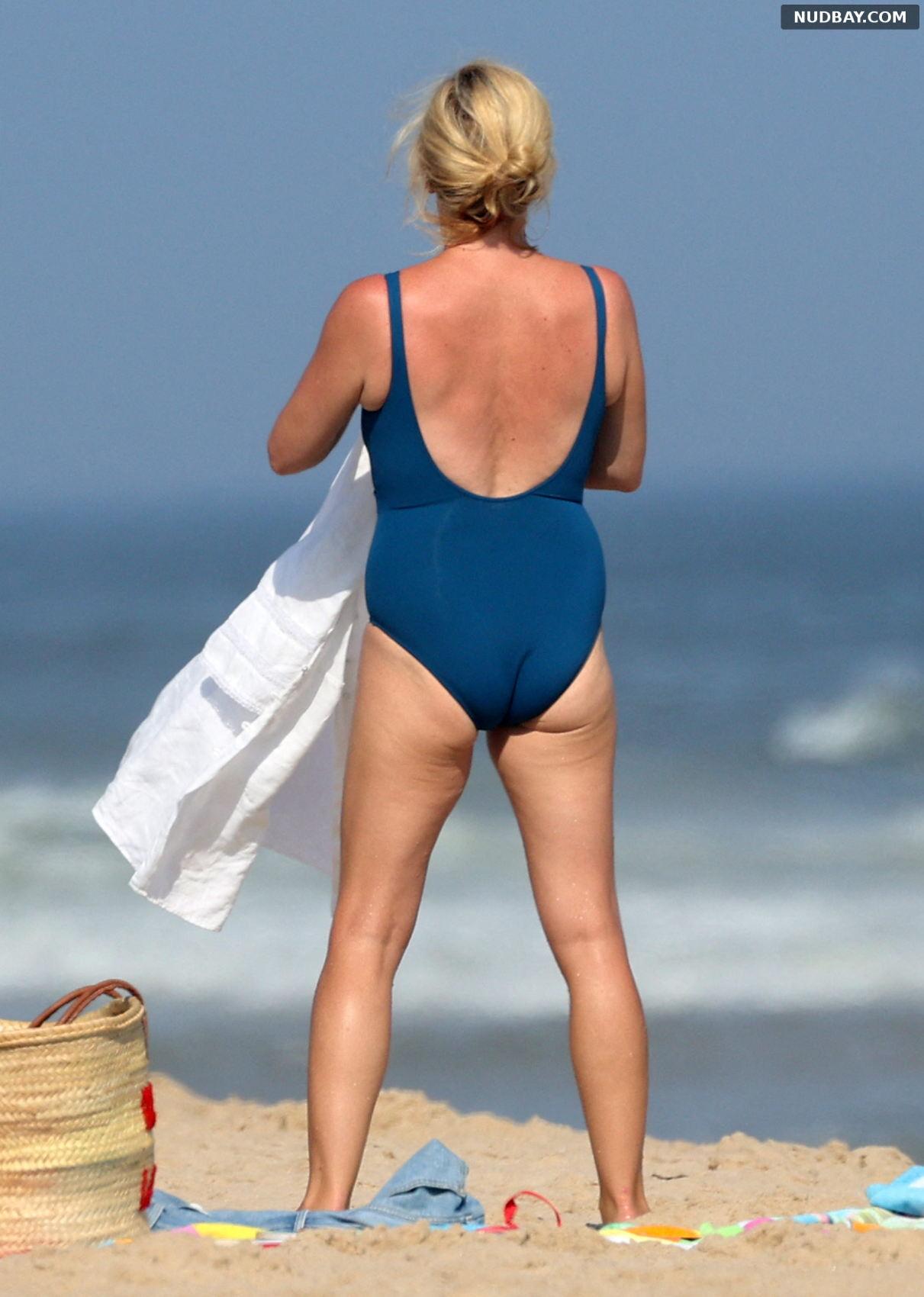 Jane Krakowski booty on the beach in the Hamptons Aug 14 2021