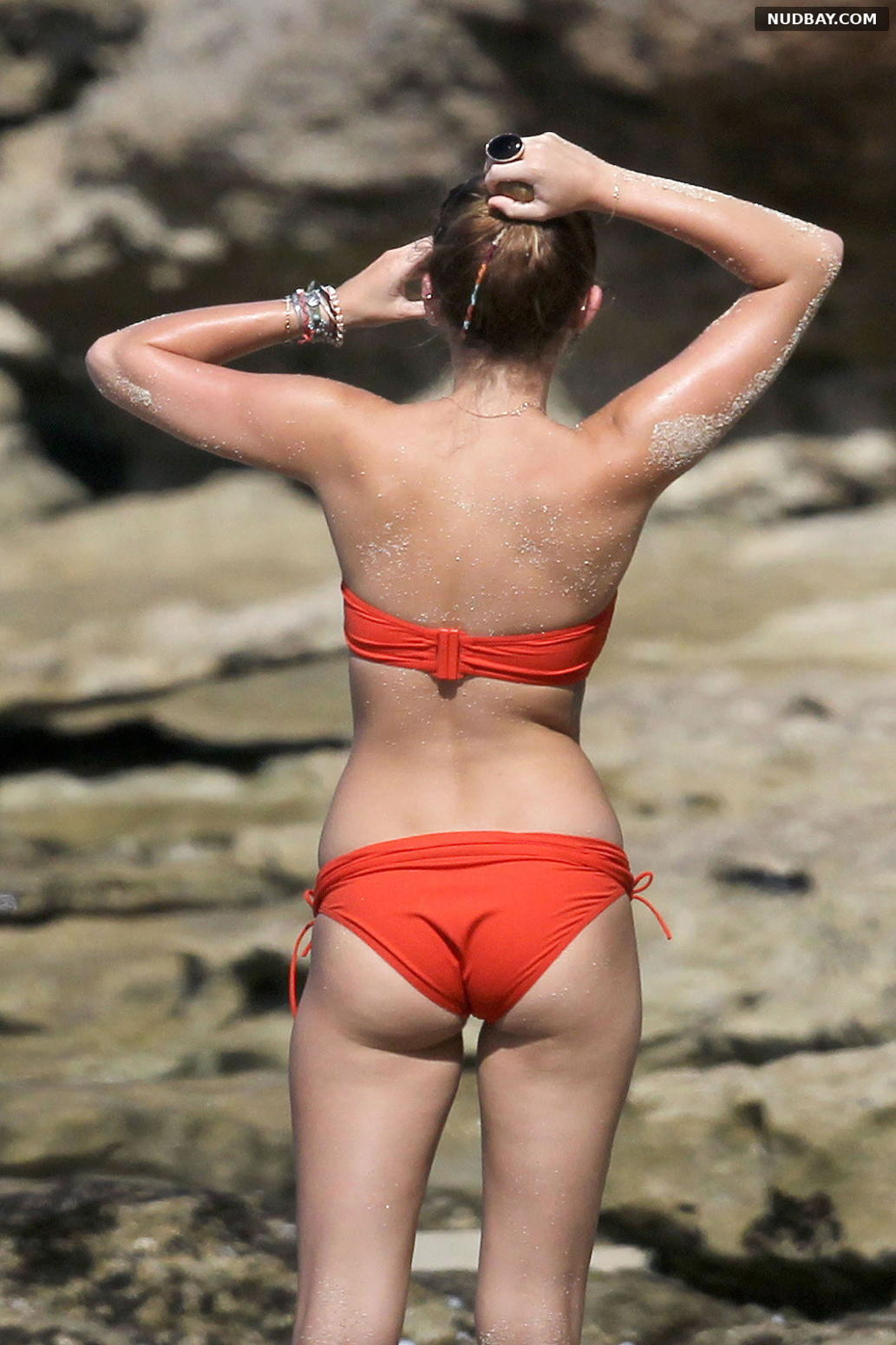 Miley Cyrus Ass at the Beach in Hawaii Dec 2011
