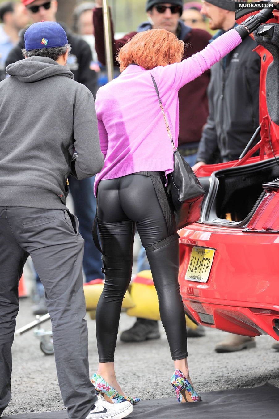 Scarlett Johansson Ass Filming Scenes For Saturday Night Live in New York's Central Park May 01 2015