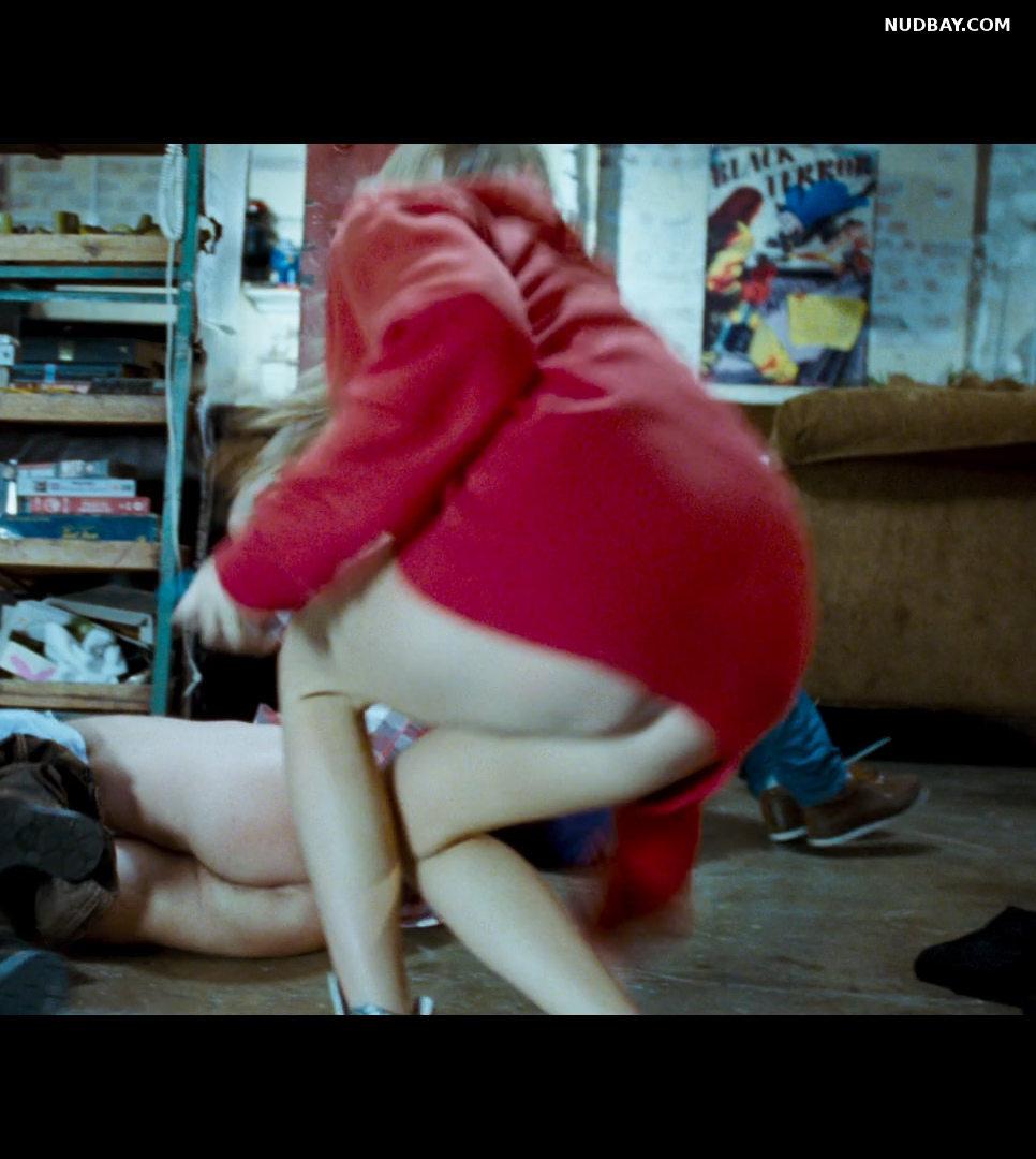 Tamsin Egerton ass in 4.3.2.1 (2010)