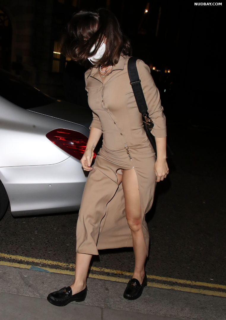 Ana de Armas Upskirt pussy at The Ivy in London Sep 27 2021