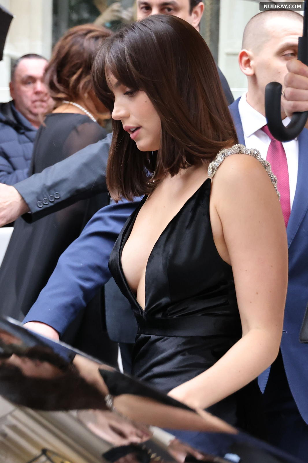 Ana de Armas side boobs at the premiere of 'No Time To Die' in London September 28 2021