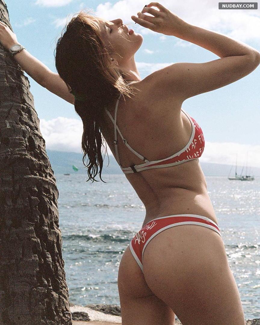 Bella Thorne Ass in bikini on Hawaii June 8 2018