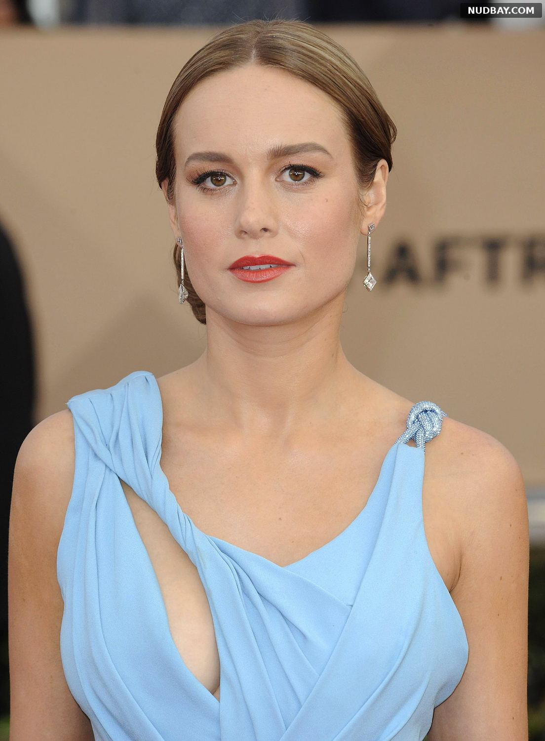 Brie Larson cleavage at 22nd Annual Screen Actors Guild Awards in Los Angeles Jan 30 2016