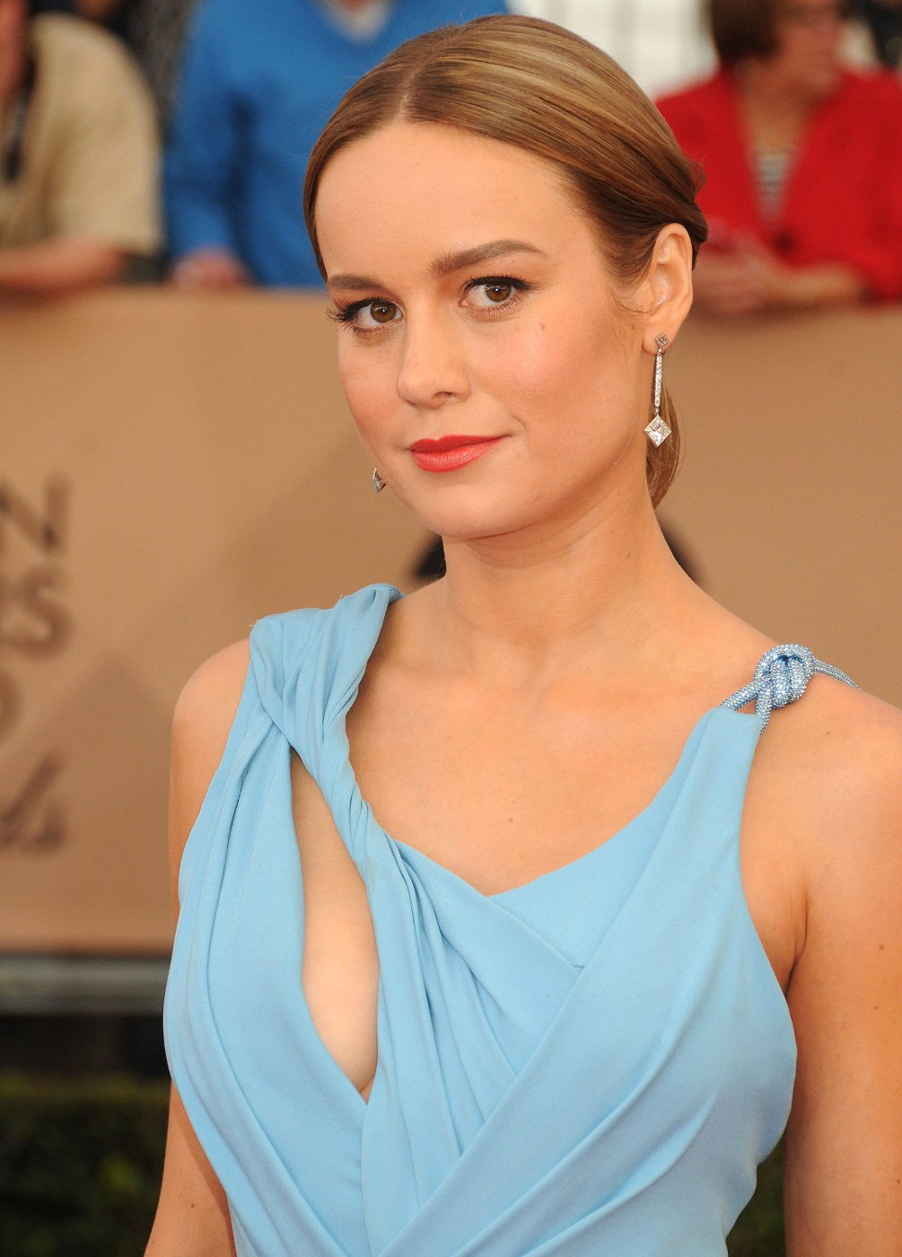 Brie Larson side boobs at 22nd Annual Screen Actors Guild Awards in Los Angeles Jan 30 2016