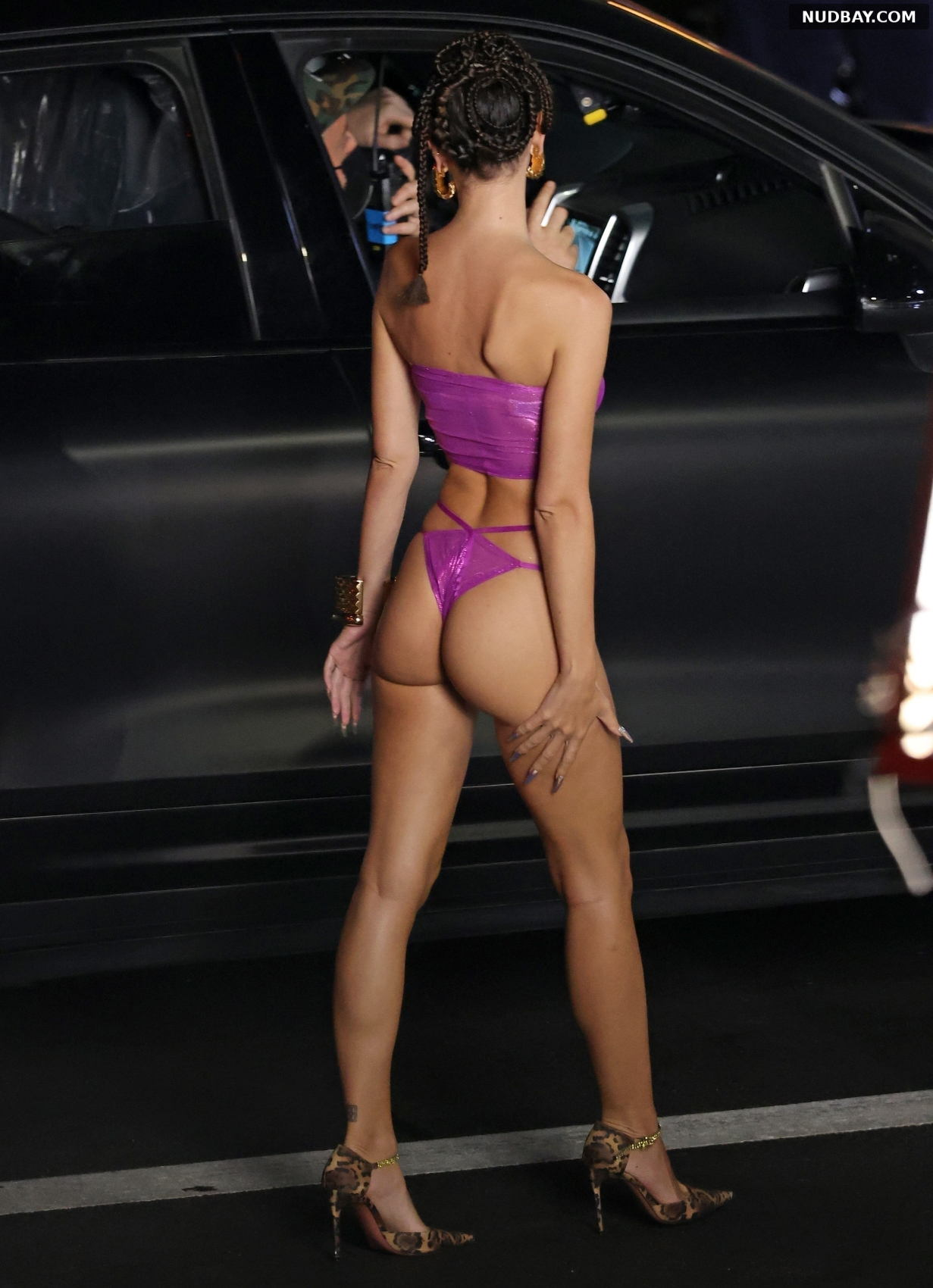 Emily Ratajkowski Bare Ass during Rihanna's Savage X Fenty show Sep 01 2021
