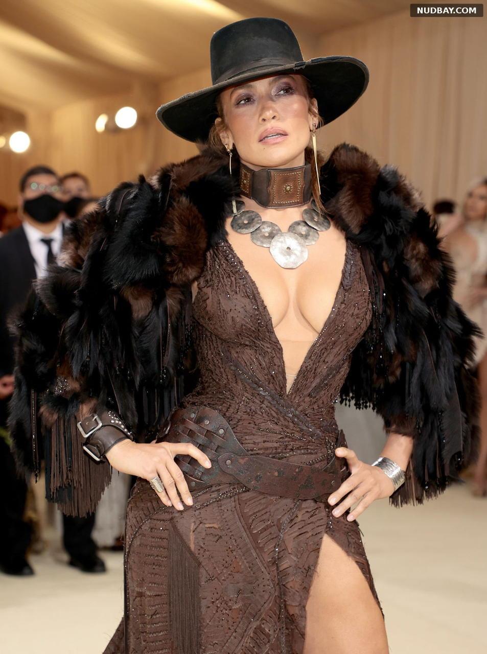 Jennifer Lopez Cleavage at Met Gala Celebrating in New York City Sep 13 2021