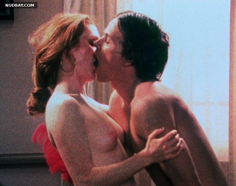 Julianne Moore nude Boogie Nights (1997)
