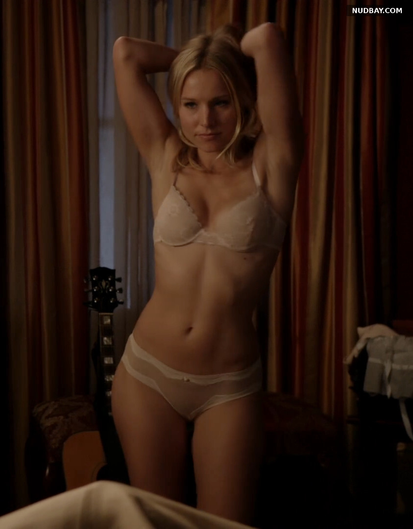 Kristen Bell nude in House of Lies S01E03 (2012)