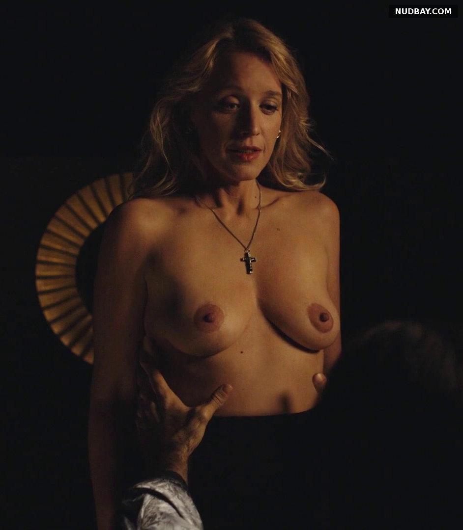 Ludivine Sagnier nude - The New Pope S01E04 (2020)