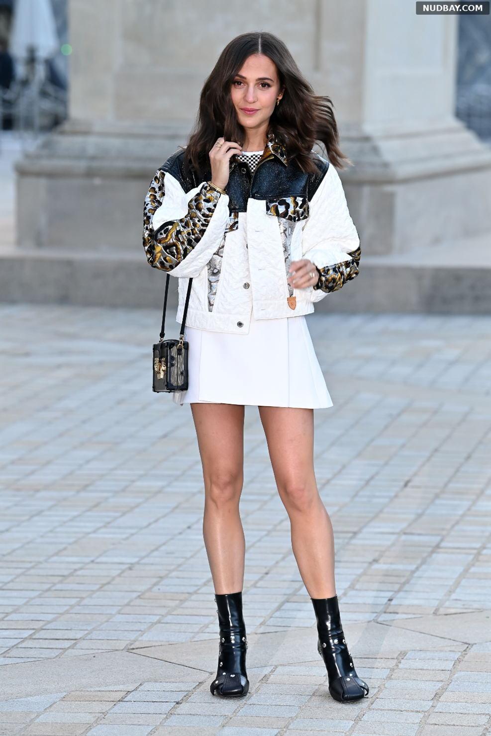Alicia Vikander at Louis Vuitton show during Paris Fashion Week Oct 05 2021