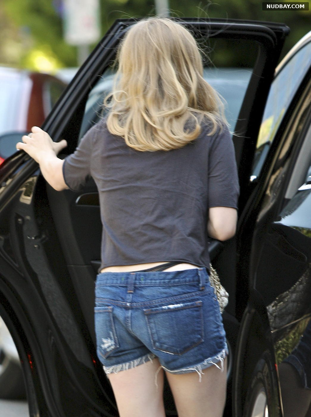 Amanda Seyfried oops thong out and about in Los Angeles July 4 2011