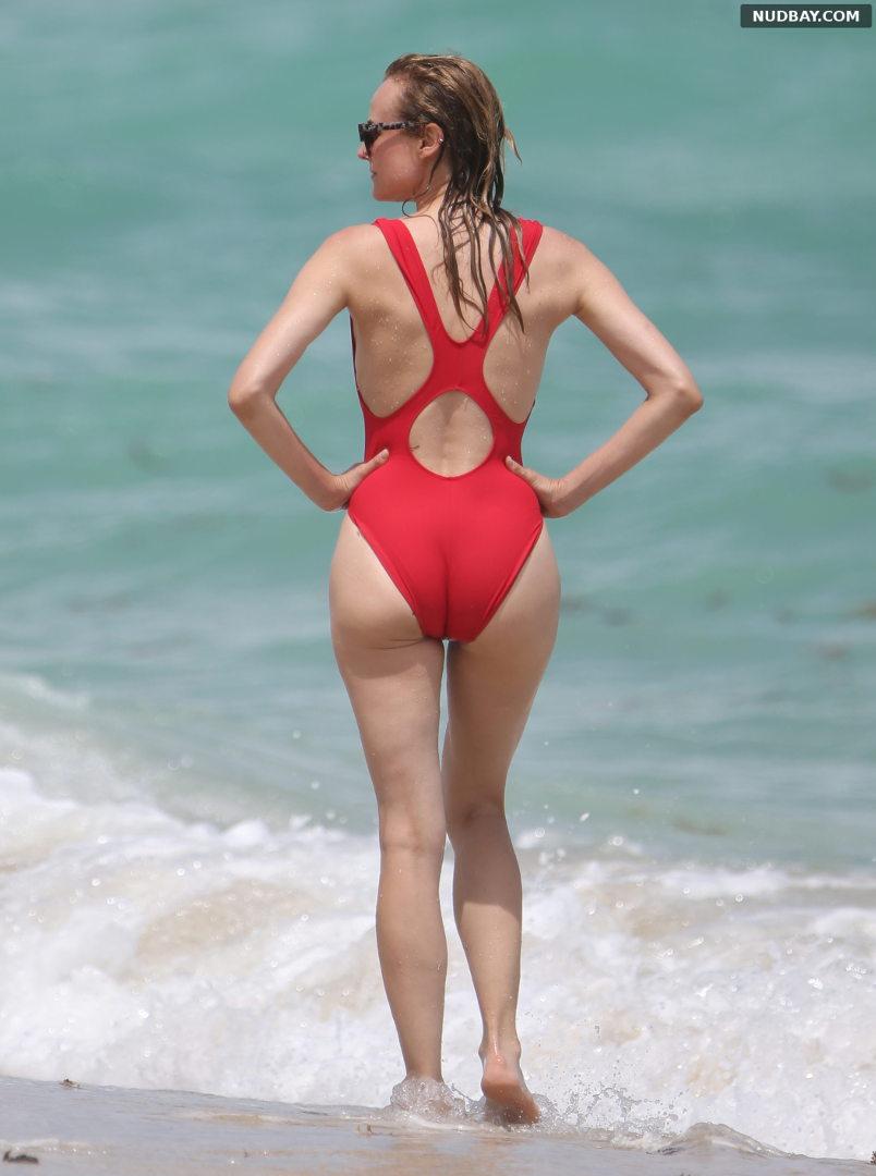 Diane Kruger Ass in Bikini on the beach in Miami Aug 28 2016 01