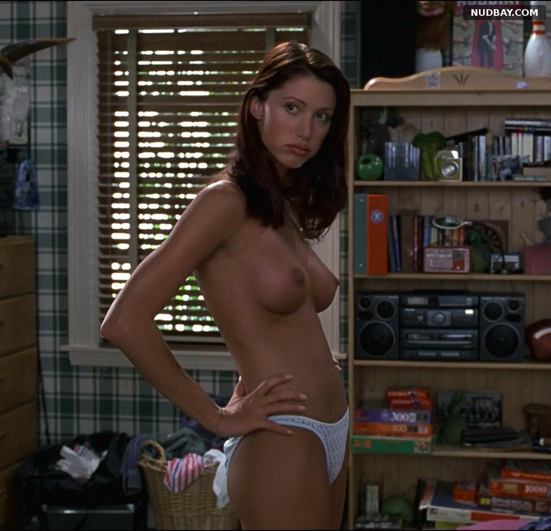 Shannon Elizabeth nude in American Pie (1999)